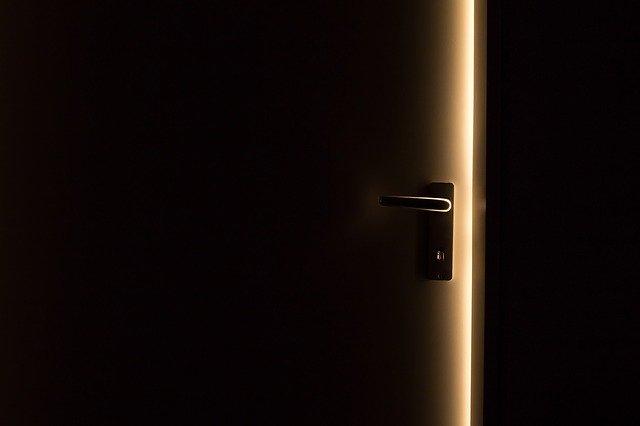 klika a dveře